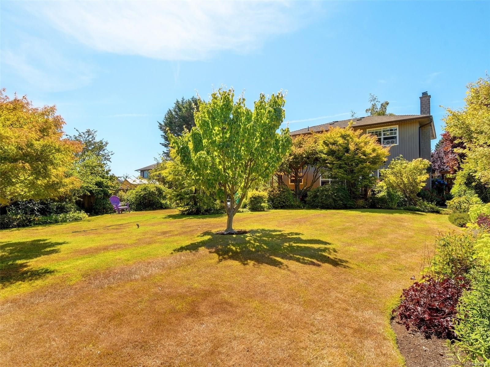Photo 20: Photos: 6555 Country Rd in : Sk Sooke Vill Core House for sale (Sooke)  : MLS®# 884084
