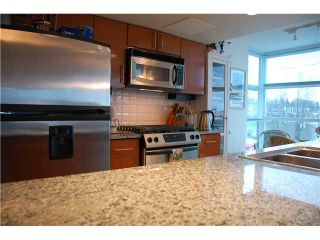Photo 2: 703 188 E ESPLANADE Street in North Vancouver: Lower Lonsdale Condo for sale : MLS®# V859653
