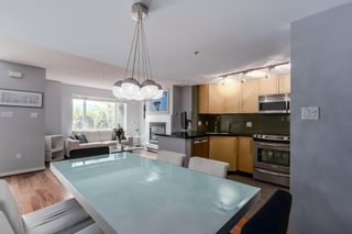 """Photo 4: 2738 CRANBERRY Drive in Vancouver: Kitsilano Townhouse for sale in """"ZYDECO"""" (Vancouver West)  : MLS®# R2073956"""