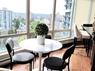 """Photo 7: 2301 1200 ALBERNI Street in Vancouver: West End VW Condo for sale in """"PALISADES"""" (Vancouver West)  : MLS®# R2605093"""