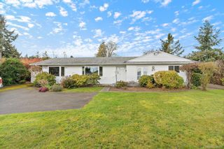 Photo 1: 8656 Bourne Terr in North Saanich: NS Bazan Bay House for sale : MLS®# 838053