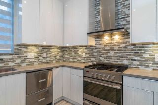 Photo 14: 5474 DUNDEE Street in Vancouver: Collingwood VE 1/2 Duplex for sale (Vancouver East)  : MLS®# R2587238