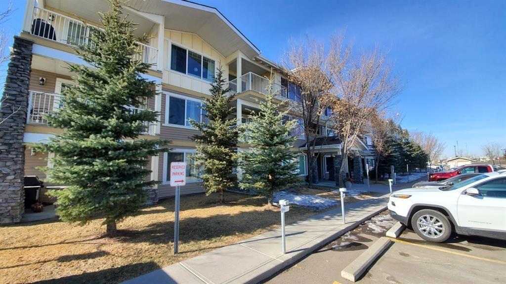 Main Photo: 1207 4 Kingsland Close SE: Airdrie Apartment for sale : MLS®# A1062903