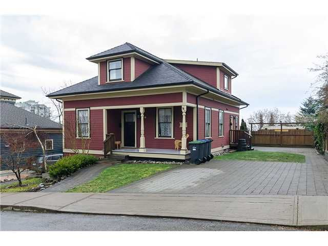 Main Photo: 218 BURR Street in New Westminster: Uptown NW House for sale : MLS®# V1044439