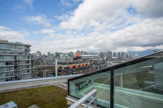 """Photo 5: 1201 88 W 1ST Avenue in Vancouver: False Creek Condo for sale in """"The One"""" (Vancouver West)  : MLS®# R2460479"""