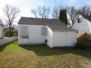 Photo 2: 687 Atlantic Avenue in Winnipeg: North End Residential for sale (North West Winnipeg)  : MLS®# 1606568