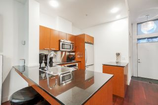 "Photo 9: 1243 SEYMOUR Street in Vancouver: Downtown VW Townhouse for sale in ""elan"" (Vancouver West)  : MLS®# R2519042"