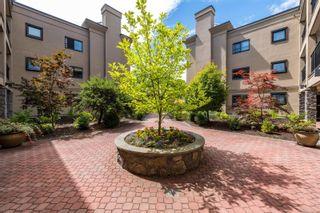 Photo 2: 324 3969 Shelbourne St in : SE Lambrick Park Condo for sale (Saanich East)  : MLS®# 883256