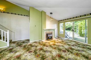 """Photo 7: 129 8737 212 Street in Langley: Walnut Grove Townhouse for sale in """"Chartwell Green"""" : MLS®# R2490439"""
