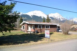 """Photo 24: 4365 LAKE KATHLYN Road in Smithers: Smithers - Rural House for sale in """"Lake Kathlyn"""" (Smithers And Area (Zone 54))  : MLS®# R2557275"""