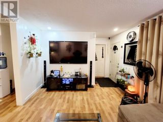 Photo 3: 114 MEADOW Drive in Hinton: House for sale : MLS®# A1111536