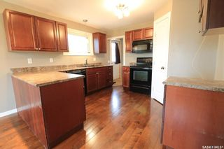 Photo 3: 262 26th Street in Battleford: Residential for sale : MLS®# SK856331