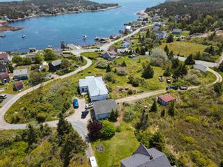 Photo 2: 14 School Road in Ketch Harbour: 9-Harrietsfield, Sambr And Halibut Bay Residential for sale (Halifax-Dartmouth)  : MLS®# 202114484
