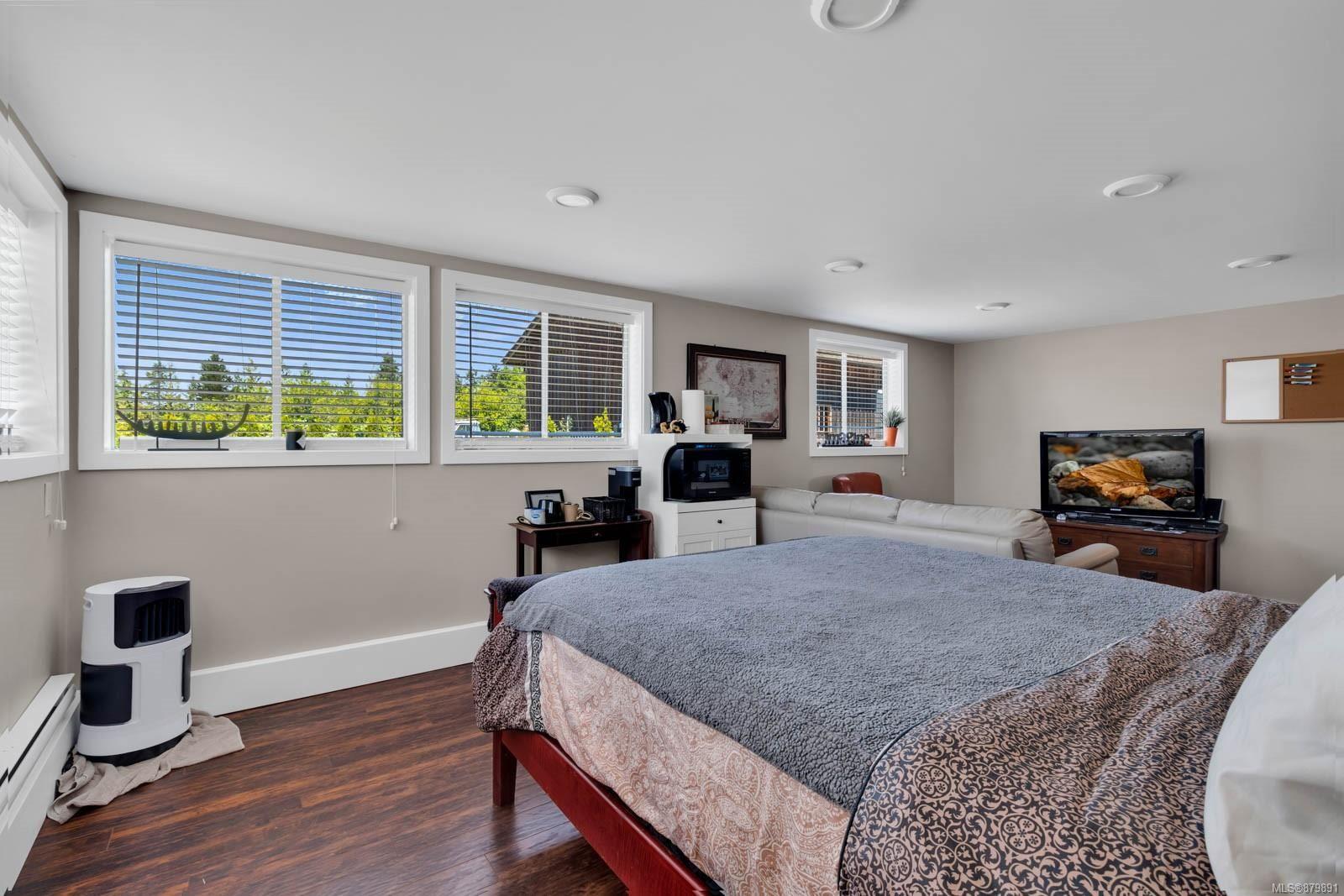 Photo 27: Photos: Vancouver Island Horse Property