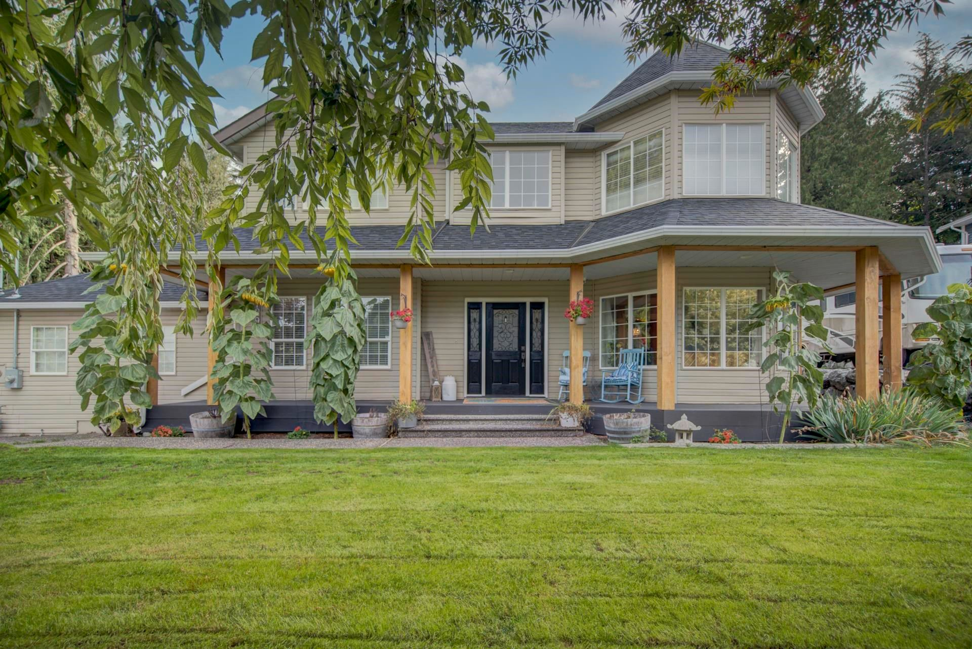 Main Photo: 7292 MARBLE HILL Road in Chilliwack: Eastern Hillsides House for sale : MLS®# R2617701