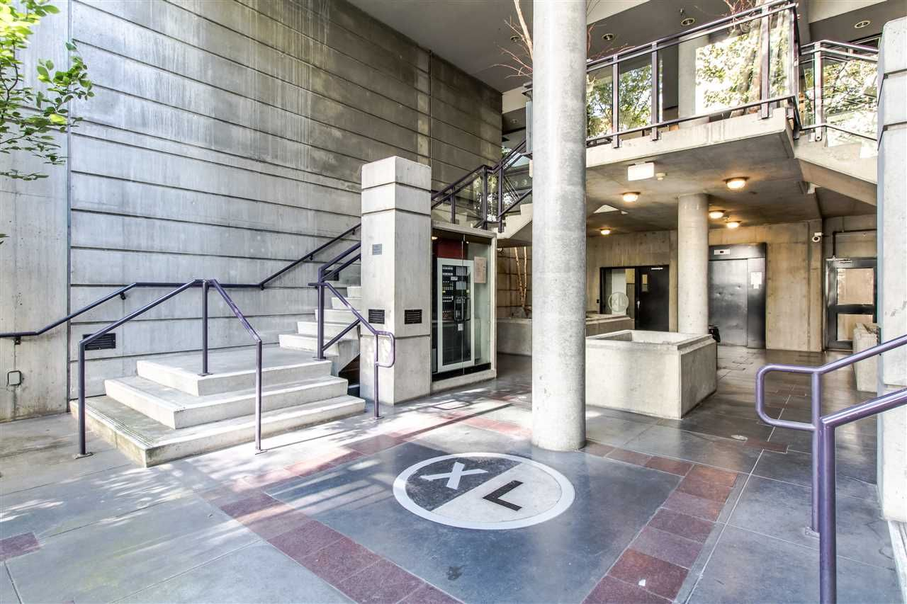 Main Photo: 706 428 W 8TH AVENUE in Vancouver: Mount Pleasant VW Condo for sale (Vancouver West)  : MLS®# R2409662