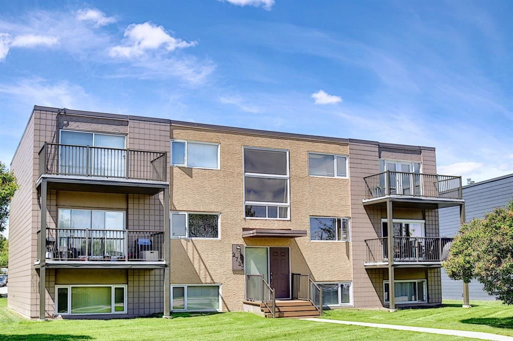 Main Photo: 2 2723 38 Street SW in Calgary: Glenbrook Apartment for sale : MLS®# A1115144