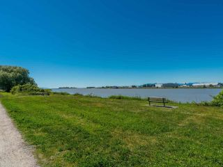 """Photo 19: 310 5860 DOVER Crescent in Richmond: Riverdale RI Condo for sale in """"Lighthouse Place"""" : MLS®# R2588185"""