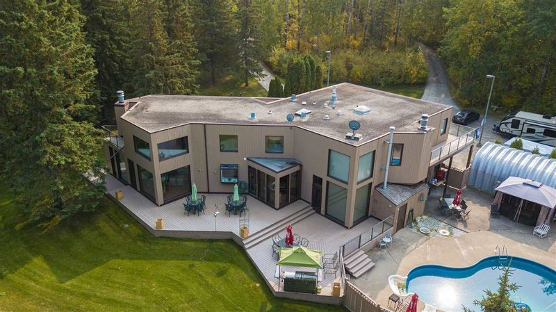 FEATURED LISTING: 11 - 26123 TWP RD 511 Place Rural Parkland County