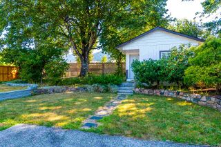 Photo 1: 567 SKAGIT Avenue in Hope: Hope Center House for sale : MLS®# R2479652