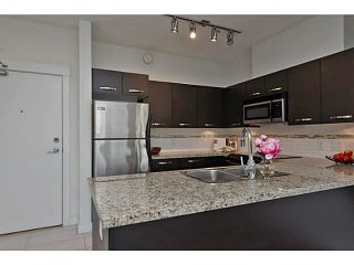 """Photo 4: 202 33539 HOLLAND Avenue in Abbotsford: Central Abbotsford Condo for sale in """"The Crossing - Building B"""" : MLS®# R2517839"""