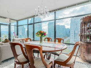 "Photo 7: 901 1863 ALBERNI Street in Vancouver: West End VW Condo for sale in ""LUMIERE"" (Vancouver West)  : MLS®# V1120284"