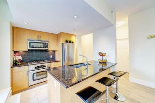 "Photo 3: 303 2978 GLEN Drive in Coquitlam: North Coquitlam Condo for sale in ""Grand Central by Intergulf"" : MLS®# R2422757"