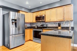 """Photo 4: 837 FREDERICK Road in North Vancouver: Lynn Valley Townhouse for sale in """"Laura Lynn"""" : MLS®# R2547628"""