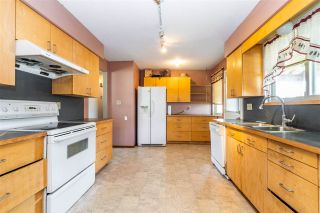 Photo 2: 1955 CATALINA Crescent in Abbotsford: Central Abbotsford House for sale : MLS®# R2569371