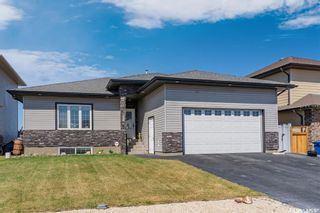 Photo 2: 344 1ST Avenue North in Martensville: Residential for sale : MLS®# SK852671