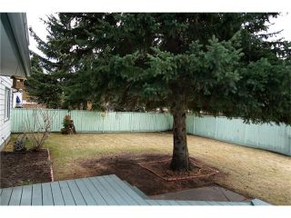 Photo 3: 655 WILDERNESS Drive SE in Calgary: Willow Park House for sale : MLS®# C4110942