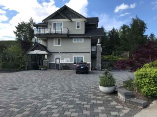 Photo 2: 2379 CHARDONNAY Lane in Abbotsford: Aberdeen House for sale : MLS®# R2579620