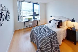 """Photo 25: 1705 1 RENAISSANCE Square in New Westminster: Quay Condo for sale in """"The Q"""" : MLS®# R2623606"""
