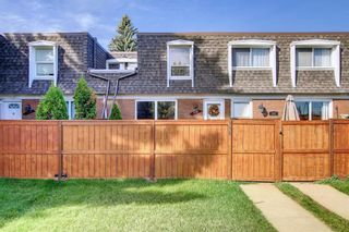 Main Photo: 116 330 Canterbury Drive SW in Calgary: Canyon Meadows Row/Townhouse for sale : MLS®# A1148581
