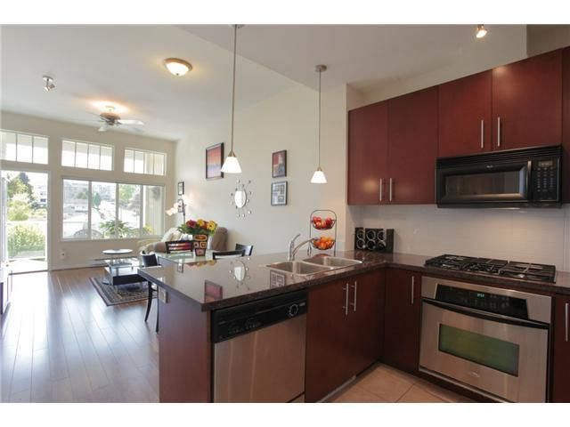 Main Photo: 417 3651 FOSTER Avenue in Vancouver: Collingwood VE Condo for sale (Vancouver East)  : MLS®# V952038