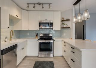 Photo 11: 121 Woodfield Close SW in Calgary: Woodbine Detached for sale : MLS®# A1126289
