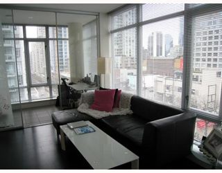 """Photo 3: 908 788 RICHARDS Street in Vancouver: Downtown VW Condo for sale in """"L'HERMITAGE"""" (Vancouver West)  : MLS®# V808783"""
