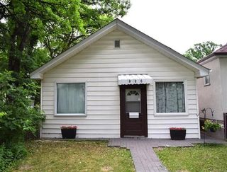 Photo 1: 896 Garwood Avenue in Winnipeg: Crescentwood Residential for sale (1Bw)  : MLS®# 1816738