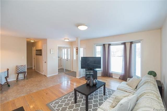 Photo 5: Photos: 16 ORIS Street in Elie: RM of Cartier Residential for sale (R10)  : MLS®# 1800701
