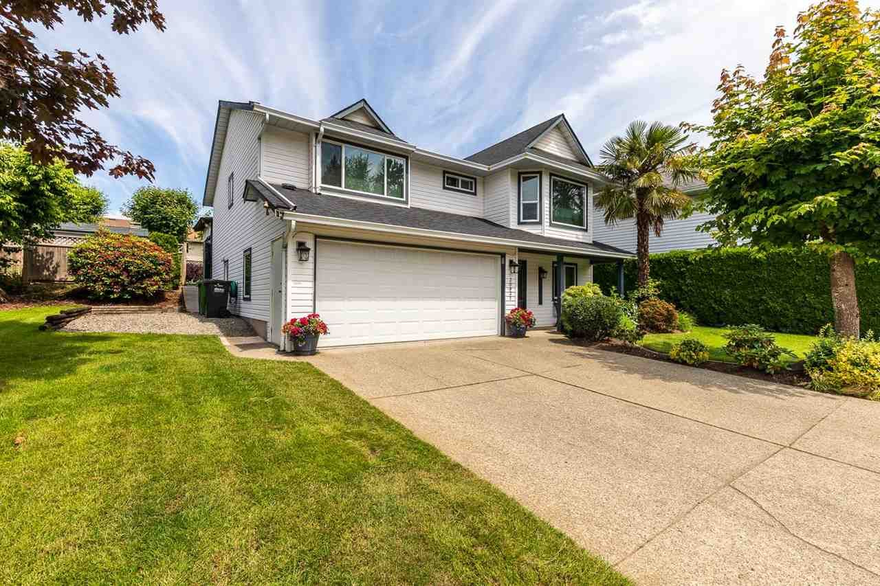 Main Photo: 30937 GARDNER Avenue in Abbotsford: Abbotsford West House for sale : MLS®# R2593655