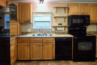 Photo 9: 1086 ROSAMUND Road in Gibsons: Gibsons & Area Manufactured Home for sale (Sunshine Coast)  : MLS®# R2576197