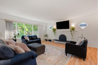 Photo 3: 11673 MORRIS Street in Maple Ridge: West Central House for sale : MLS®# R2617473