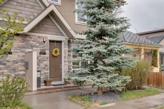 Photo 2: 1 922 3 Avenue NW in Calgary: Sunnyside Row/Townhouse for sale : MLS®# A1102564