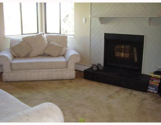 """Photo 4: 5142 HASTINGS Street in Burnaby: Capitol Hill BN Townhouse for sale in """"MAYWOOD"""" (Burnaby North)  : MLS®# V784480"""