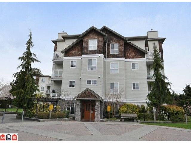 """Main Photo: 105 10186 155TH Street in Surrey: Guildford Condo for sale in """"SOMMERSET"""" (North Surrey)  : MLS®# F1210204"""