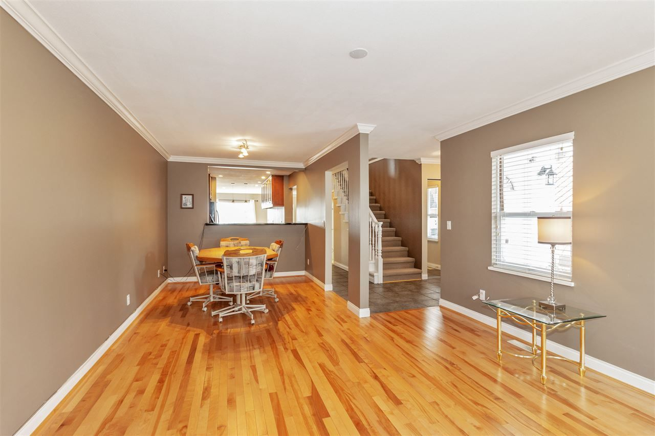 Photo 5: Photos: 337 E 5TH Street in North Vancouver: Lower Lonsdale 1/2 Duplex for sale : MLS®# R2544809