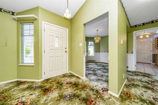 """Photo 5: 129 8737 212 Street in Langley: Walnut Grove Townhouse for sale in """"Chartwell Green"""" : MLS®# R2490439"""
