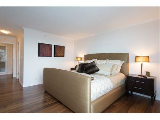 """Photo 13: # 3002 1199 MARINASIDE CR in Vancouver: Yaletown Condo for sale in """"Aquarius Mews"""" (Vancouver West)  : MLS®# V1029094"""