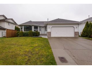 Photo 1: 34610 BALDWIN Road in Abbotsford: Abbotsford East House for sale : MLS®# R2246848