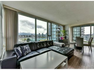 """Photo 3: 2002 918 COOPERAGE Way in Vancouver: Yaletown Condo for sale in """"MARINER"""" (Vancouver West)  : MLS®# V1116237"""